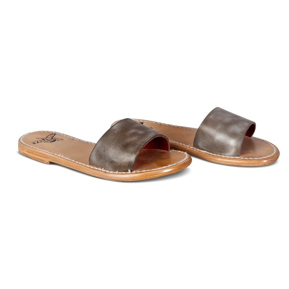 New Freebird Golden sandal. Stone leather Size 8.
